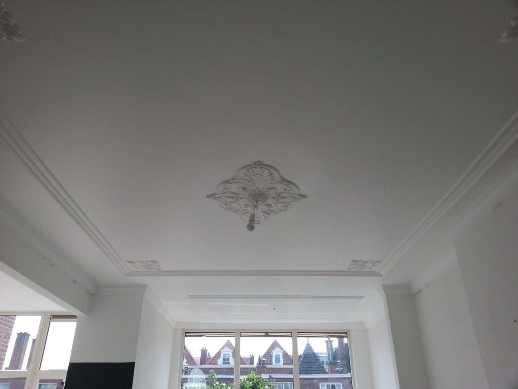 plafond spuiten met latex