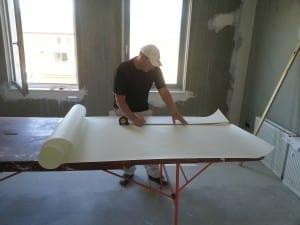 Stuc behang vanaf 10 00 per m2 inclusief latex spuiten for Renovlies behang aanbrengen